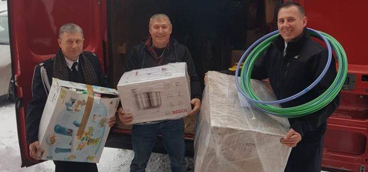 Wyjazd OSP Lenarty z darami do Kowalczuk